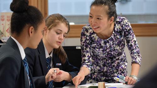 Students with Mandarin teacher